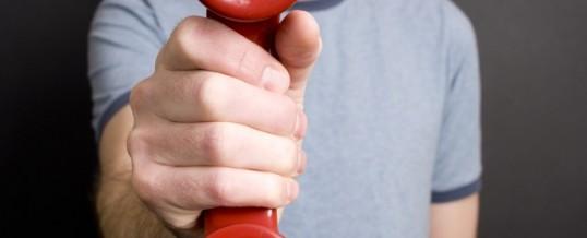 Hvorfor lyder ventemusik i telefonkøen så dårligt?